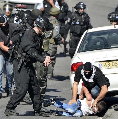 arresting palestinian boy