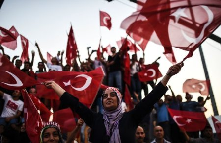TURKEY-MILITARY-POLITICS-COUP-RALLY